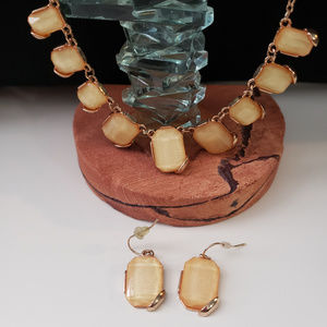 Jewelry - Sparkly yellow and gold necklace and earring set